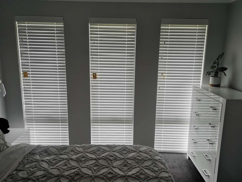 Timber venetian blinds for windows